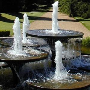 fontäner dammar vattenspel